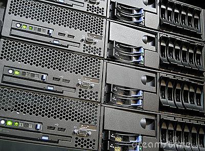 data-center-computer-servers-5776461